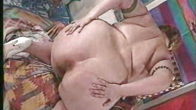 Una ver porno subtitulado joven zorra de culito pequeño folla anal