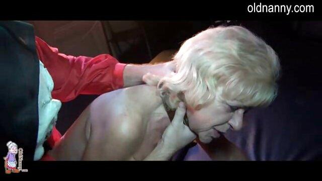 La joven pelirroja Anya Olsen folla videos xxx completos con un maduro musculoso