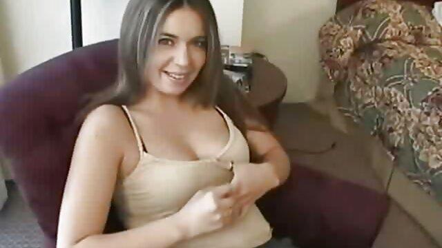 En el casting, la chica fue follada de forma inusual en su culo intacto porno latino castellano