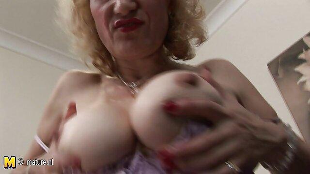 Rubia dulce después de una cita es videos porno en audio español follada en el coño con un chico