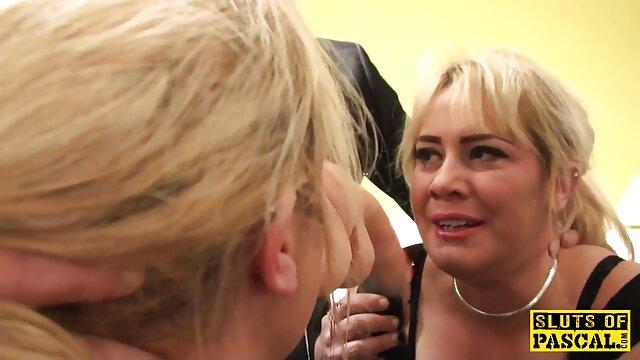 Sierra adora videos porno gratis de fakings cuando el semen blanco como la nieve gotea de sus labios