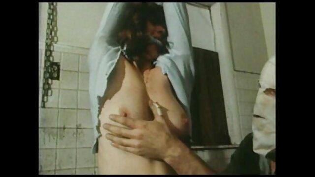 Una videos pornograficos españoles perra culona con grandes tetas folla en un anal estrecho