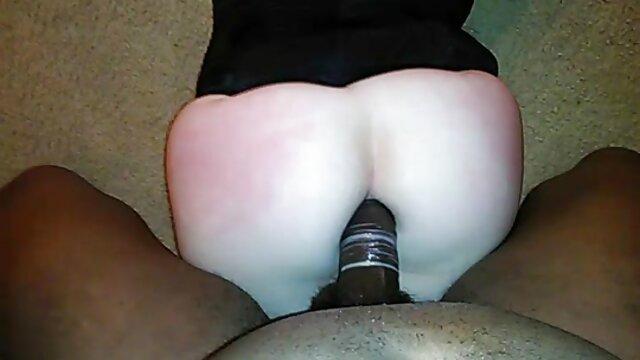 Chica el mejor porno español hd seduce al entrenador en el gimnasio