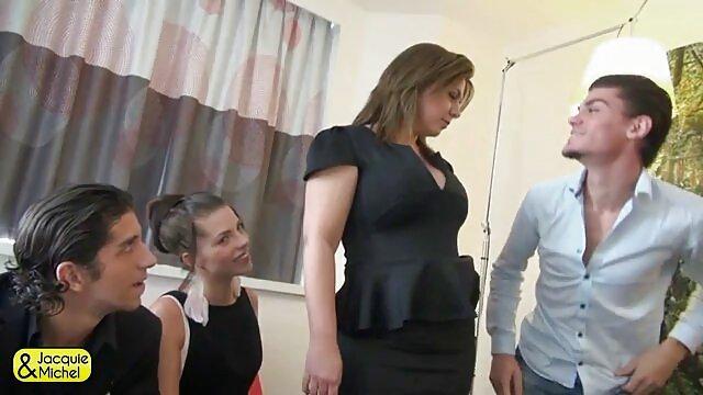 Sexo lésbico después de despertar a videos de porno en castellano jovencitas