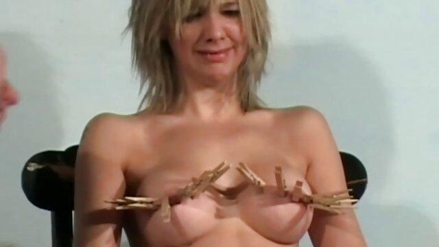 Puta pelirroja Lory Jane se masturba el coño y se la follan anal peliculas de sexo gratis en español