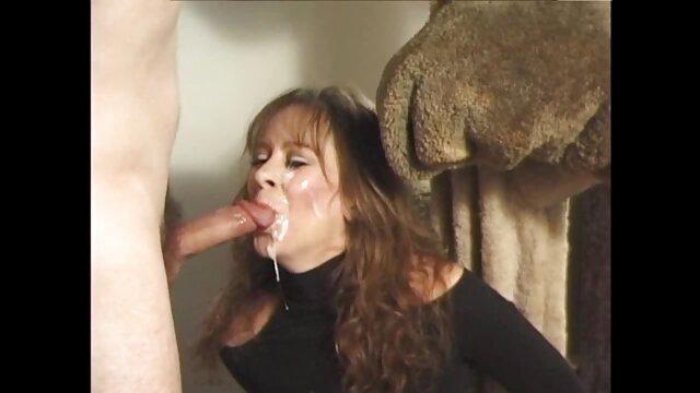 Hermosa chica cachonda chupa bien videos de incesto sub español la polla