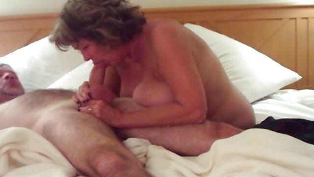 Nena bronceada folla apasionadamente en un videos en españolxxx estrecho anal con un chico ruso